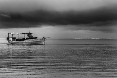 Embarcaes Candeias (Gustavo Penteado) Tags: brasil boat mar barco pernambuco candeias mar pescadores embarcao barcosdepesca barcosdemadeira