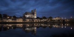 Collgiale de Mantes-la-Jolie (Michel Couprie) Tags: bridge sunset france reflection church water seine night clouds canon river eos mood streetlamp reflet reflect pont bluehour michel fleuve yvelines rverbre collgiale manteslajolie couprie