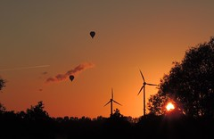 Sunset Altengamme (sabine1955) Tags: sunset night ballon clear windrad
