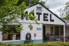 MO Newburg - Vernelle's Motel (lenmidgham) Tags: roadside motel route66 ontheroad roadtrip newburg missouri unitedstates us