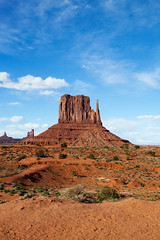Simply a Great Place to Sit and Admire (jpmckenna - Denali Bound) Tags: arizona landscape sandstone desert highdesert monumentvalley navajotribalpark getoutside leftmitten iconicsouthwest