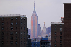 The Empire (ploh1) Tags: nyc usa newyork skyline manhattan empirestatebuilding bauwerk bigapple gebude wohnhaus berhmt nordamerika hochhus