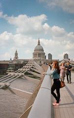 Saint Paul (AndreArma) Tags: street leica bridge london film saint paul photography 50mm kodak voigtlander 15 millenium 400 portra m6 nokton