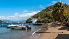 Lintrus - Les Saintes - [Guadeloupe] (Old Jhack) Tags: france bateaux caribbean guadeloupe antilles baie lessaintes carabes saintoise sigma1750mmf28