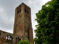 Abandoned in Damme (wellingtonandsqueak) Tags: church belgium c1 damme