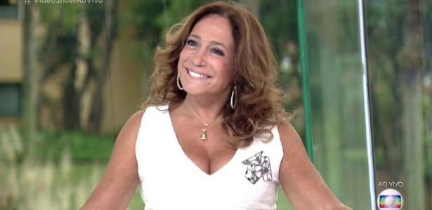 """Susana Vieira volta a cantar """"Per Amore"""" após gafe no Faustão"""