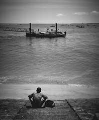 (thierrylothon) Tags: france monochrome flickr fuji paysage fr publication noirblanc personnage c1pro aquitaine gironde captureonepro phaseone lecanon wclx100 fujix100t fluxapple presquilecapferret