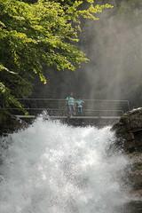 Housi und Andre bei den  Giessbachflle ( Giessbachfall  - Wasserfall - Waterfall ) des Giessbach bei Giessbach am B.rienzersee im Berner Oberland im Kanton Bern der Schweiz (chrchr_75) Tags: water creek schweiz switzerland waterfall eau wasser suisse wasserfall swiss andre bach mai slap christoph svizzera cascade berner cascada berneroberland  oberland  waterval suissa 2015 giessbach  vattenfall vodopd chrigu wodospad vandfald kantonbern chrchr hurni giessbachflle chrchr75 chriguhurni chriguhurnibluemailch albumwasserfllewaterfallsderschweiz albumwasserflleimkantonbern hurni150531