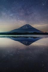 Lullaby of the Galaxy (Yuga Kurita) Tags: japan way landscape fuji nightscape mount galaxy fujisan milky 富士山 mtfuji galactic fujiyama starscape 天の川