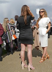 Black and White (ian con) Tags: girls legs candid blondes brunettes