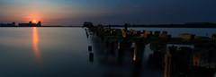 Sunset at the abandoned pier in Edinburgh (iDvL) Tags: sunset water scotland edinburgh toodark youcantseeit gormleystatue
