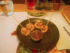 Grilled Lollipop Shrimp skewers (Kushiyaki) (Lost in Flickrama) Tags: boston restaurant shrimp grilled wagamama asianfood massachussetts skewers fusionfood britishjapanese
