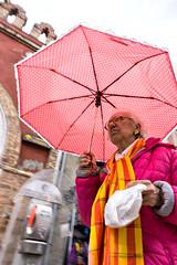 street Veneziana (pinomangione) Tags: pinomangione venezia street rosa rosso perstrada calle portrait