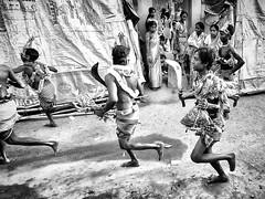 Gajan festival - Kurmun (daniele romagnoli - Tanks for 12 million views) Tags: road street people blackandwhite bw india monochrome monocromo nikon asia strada run tribal indie tribes tradition runaway tribe ethnic indien bianconero cultura calcutta biancoenero tribo indiano inde ethnicity d800 ethnology tribu westbengal rito  indiani calcuta etnico rituale  etnia tradizione tribale ethnique  ethnie tribali  gajan charak  romagnolidaniele gajanfestival kurmun gaianfair