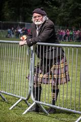 Wrestling Guru: William Baxter (FotoFling Scotland) Tags: scotland kilt event balloch highlandgames meninkilts williambaxter lochlomondhighlandgames