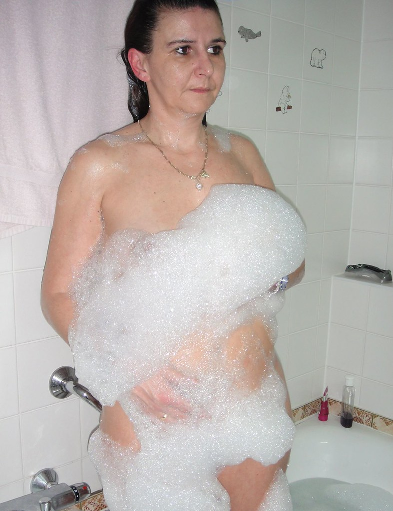 Squirting pussy nude naked mom sexy