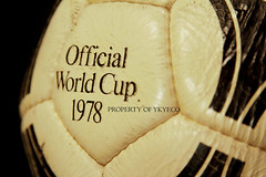 TANGO DURLAST FIFA WORLD CUP ARGENTINA 1978 ADIDAS OFFICIAL MATCH BALL 12 (ykyeco) Tags: world cup argentina ball football official fussball top fifa soccer ballon tango match 1978 bola adidas pelota palla balon pallone pilka  omb  matchball spielball durlast