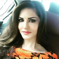 Unseen, Uncensored, Live Pictures of Sunny Leone (shaf_prince) Tags: sunnyleone bollywoodactress actressinsarees unseenpictures celebritydresses actressinjeans