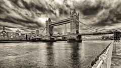 London drama (Stefan Sellmer) Tags: england bw london thames architecture clouds towerbridge outdoor gb drama vereinigteskönigreich