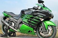 12  Kawasaki ZZR