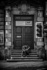 LOVE ART (Daz Smith) Tags: dazsmith canon6d bw blackwhite blackandwhite bath city streetphotography people candid canon portrait citylife thecity urban streets uk monochrome blancoynegro couple kiss kissing steps artgallery young sitting gallery art sat love inlove cuddle