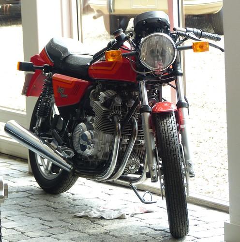 Benelli 654 Sport 1983 red vr