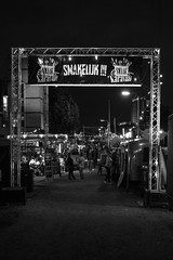 [2016-09-17][Smaak Karavaan 2016] 39.jpg (S.P. Zweekhorst) Tags: nikon 1855mm d5200 2016 blackwhite people street nikon1855mm nikond5200