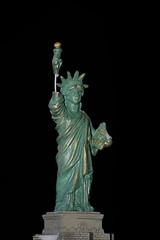 Statue of Liberty Souvenir (maui photographer) Tags: statue liberty souvenir marques baclig mauiphotographer chicago new york newyork still life stilllife flash details nikonproject366 nikon d3300 dslr photography home studio mini