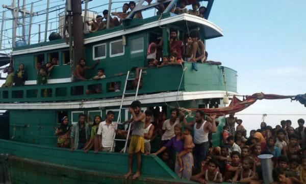 Segera beri bantuan kemanusiaan pelarian Rohingya, kata Wan Azizah - Read more