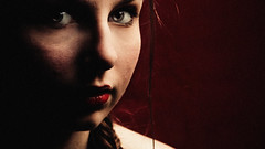 Decibel (Christine Lebrasseur) Tags: red portrait people woman brown france art canon teenager 169 fr onred gironde léane saintloubes allrightsreservedchristinelebrasseur