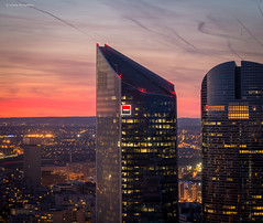 La Dfense (Julianoz Photographies) Tags: light sunset france architecture buildings europe lumire btiment 92 idf ladfense immeubles vueaerienne socitgnrale rgionparisienne hautdeseine businessquarter nikkor70200f4vr nikond610 districtquarter julianozphotographies