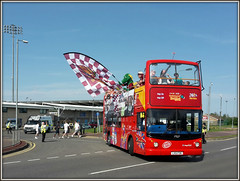 Stagecoach 17527 (LX51 FOK) (Jason 87030) Tags: camera bus dragon shot stadium flag picture parade fave views topless dennis amateur clarence bizarre stagecoach doubledecker cobblers trident opentop ntfs 17527 northamptontownfootballclub lx51fok