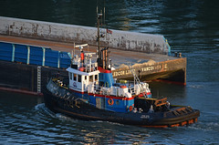 Storm Wave Guide (drmack2) Tags: bc arm north tugboat barge newwestminster