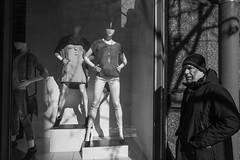 Chestnut Street, 2016 (Alan Barr) Tags: street people blackandwhite bw philadelphia monochrome mono blackwhite candid streetphotography sp streetphoto gr ricoh chestnutstreet 2016