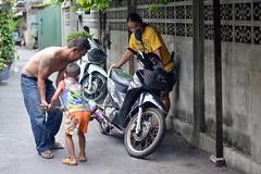 a family project (the foreign photographer - ) Tags: thailand nikon bangkok father mother son motorcycle khlong bangkhen thanon d3200 jul102016nikon