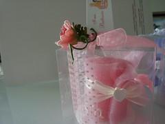 CANDELA ARROTOLATA DI COLORE ROSA (ilmiomondoincera) Tags: casa rosa bianco candela matrimonio regalo battesimo cera valentino bomboniera decorazione patchouli artigianale piattino gessetto arrotolata paraffina