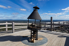 Time for a break on top of Levi fell (Nyman Juha) Tags: lapland lappi ylls levi kittil kslompolo suomi finland visit outdoor nature fell scandinavia climbing mountain peak high view beautiful blue serene enjoy break fireplace bonfire fire sausage