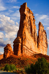 Arches National Park (buddyboy38) Tags: arches archesnationalpark utah landscapes westernscenics geology sandstone formations deserts dry monoliths southwest southwestern slickrock moab mesa mesas butte buttes scenery scenic entradasandstone stone natural courthousetowers