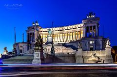 Monumento a Vittorio Emanuele II (grothe.manuel) Tags: monumentoavittorioemanueleii italy rome nightlights longtermexposure lightstream hdr nikond5300 sigma102035