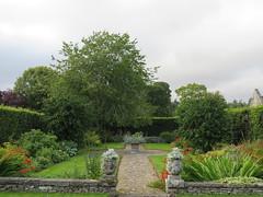UK - Scotland - Angus -  Glamis -  Glamis Castle - Garden (JulesFoto) Tags: uk scotland angus glamis glamiscastle garden