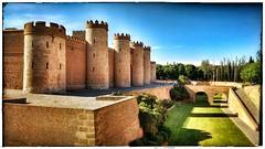 Aljafera, Zaragoza, Spain (Abel Cerezuela Sanjulin) Tags: bridge castle wall towers