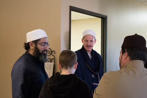 "Shaykh Yahya Rhodus at SeekersHub, Toronto and Seminar Series: Worship, Coffee and The Meaning of Life • <a style=""font-size:0.8em;"" href=""http://www.flickr.com/photos/88425658@N03/26234999323/"" target=""_blank"">View on Flickr</a>"