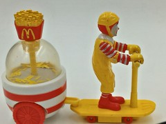 2001 McDonald's Express Happy Meal Toy Ronald French Fries Maker (ifucanwait-com) Tags: 2001 ronald french toy happy mcdonalds fries meal express maker