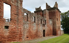 Edzell Castle (3) (arjayempee) Tags: castle scotland angus fortress towerhouse northesk forfarshire edzellcastle glenesk earlofcrawford lindsayofedzell courtyardcastle mounthpasses edzellcastlegardens av6a545355stitch stirlingofglenesk baronyofglenesk