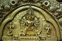 Détail d'un stupa (Népal) (Christian Bachellier) Tags: nikon bhaktapur népal