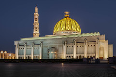 (eneko123) Tags: longexposure light night lights luces noche grand mosque mezquita sultan oman qaboos nuit muscat mosque eneko123 omn  moschee sultanateofoman omani sultanate  mascate     maskat   masqa sqgm