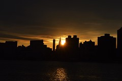 What a night. (lemonstolemonaid) Tags: sunset newyork nikon heaven dusk eastriver astoria newyorkskyline gantryplazastatepark