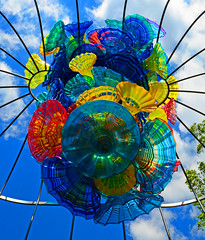Trumpet Flower Arbor (davidwilliamreed) Tags: sculpture color art glass colorful vivid atlantabotanicalgarden atlantaga chihulyinthegarden dalechihulyatrist