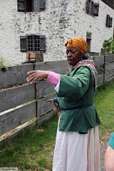 Philipsburg Manor's tour guide (Canadian Pacific) Tags: county costumes usa newyork america countryside us costume unitedstates state historic american co manor period westchester philipsburg sleepyhollow tarrytown hudsonvalley 381 ofamerica nbroadway aimg6373