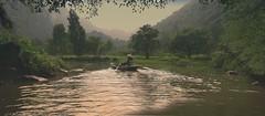riviere Boi sous la brume (buch.daniele) Tags: landscape riviere vietnam terrestre bateau paysage halong brume exterieur danielebuch